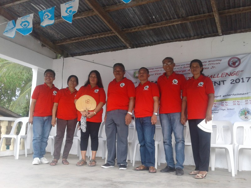 PICTURE OF BARANGAY OFFICIALS DURING WRESTLING TOURNAMENT